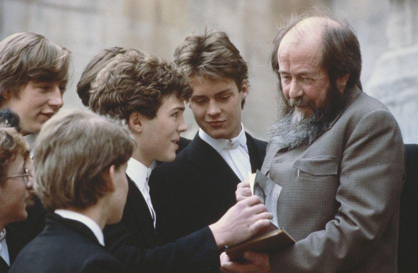Alexandre Soljenitsyne lors d'une visite au Eton College en mai 1983
