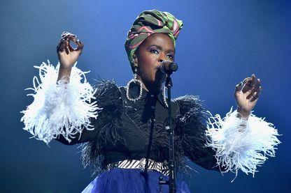 """L'écrivaine féministe Janaelle Harris dit à quel point Lauryn Hill est l'une de celles qui ont joué un rôle déterminant pour la fierté des afro-américaines avec """"Killing Me Softly"""""""