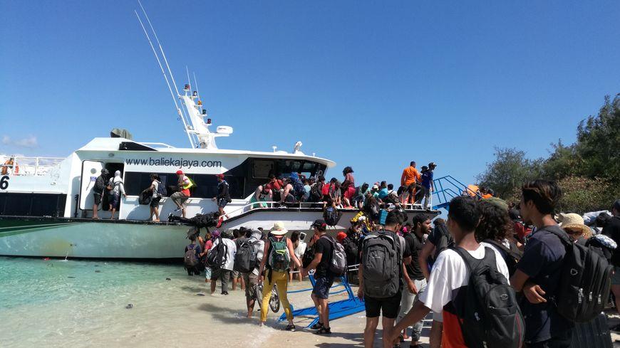 2000 touristes sont évacués ce lundi des îles Gili et Lombok en Indonésie suite au puissant tremblement de terre qui a secoué l'archipel la veille.