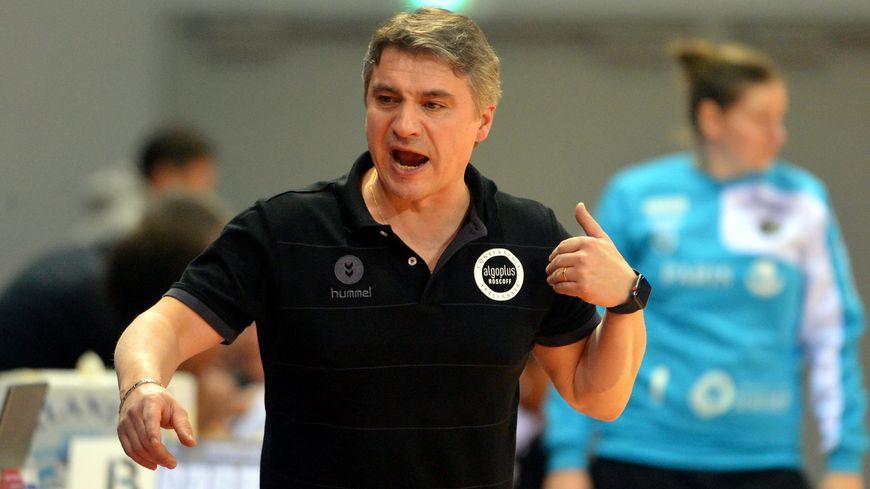 Laurent Bezeau, l'entraîneur du Brest Bretagne Handball