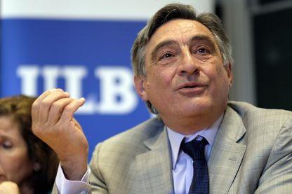 Ahmet İnsel, économiste, éditeur, journaliste et politologue turc.