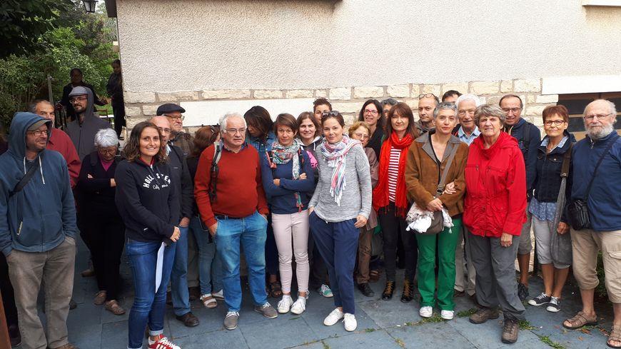 Plusieurs membres d'associations et enseignants se sont mobilisés contre l'expulsion d'une famille algérienne
