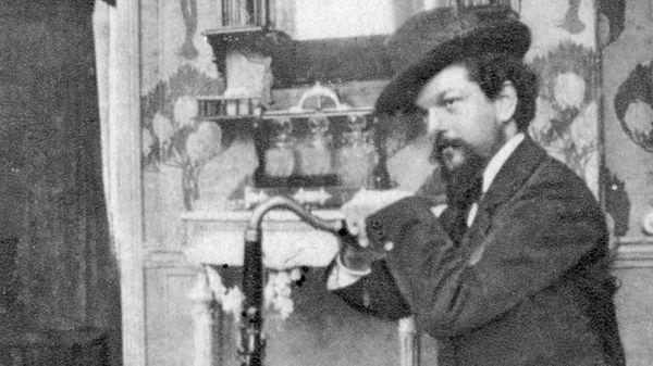 Le compositeur Claude Debussy vers 1909