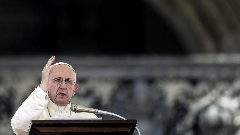 Le pape a adressé, ce lundi 20 août, une lettre aux catholiques du monde entier.