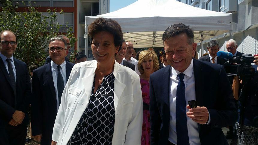 La ministre Frédérique Vidal accueillie par le directeur du CROUS de Bordeaux