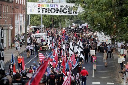 il y a un an, à Charlottesville, des heurts avaient éclaté entre suprémacistes blancs et contre-manifestants faisant un mort et 19 blessés