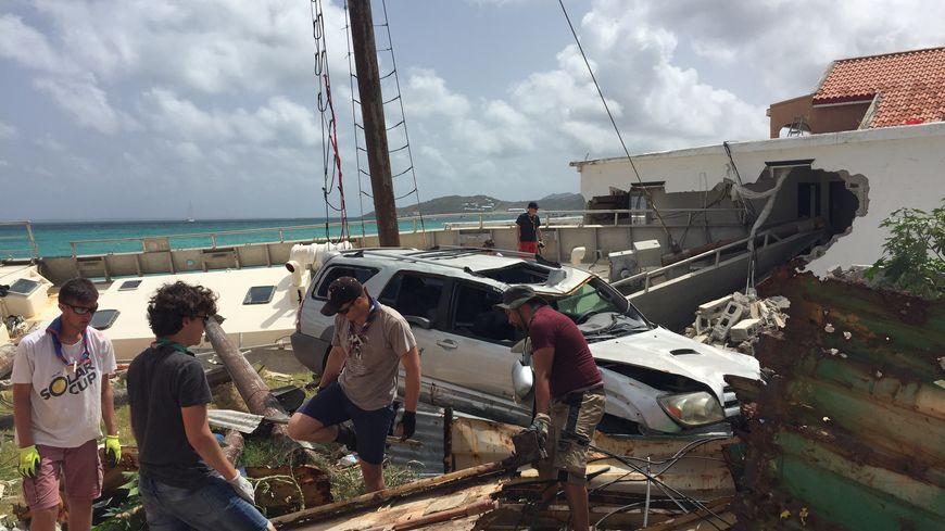 Des scouts de France au chevet de Saint-Martin dévastée