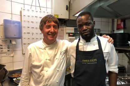 Bakari et son chef Alain Fontaine, qui a donné sa chance au jeune Malien.