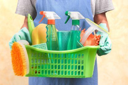 Selon une étude américaine récente, faire régulièrement le ménage serait toxique : les produits ménagers sont nocifs pour les poumons