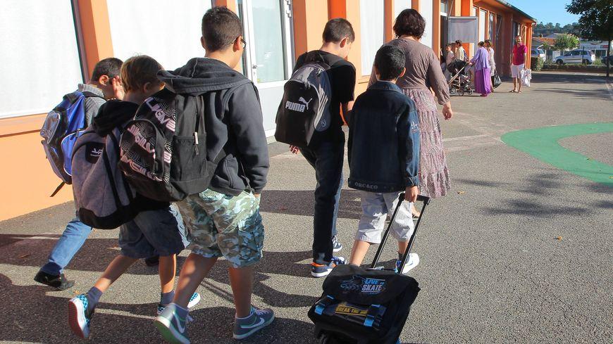 Les enfants reprennent le chemin de l'école ce lundi