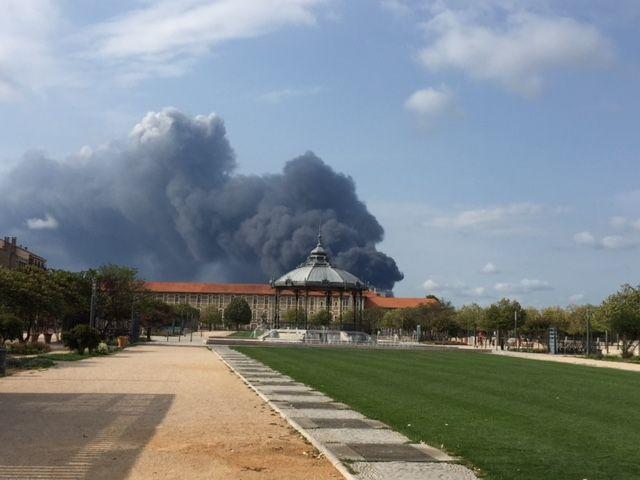 L'incendie vu du Champ de Mars à Valence