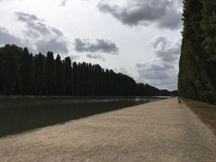 Le Grand Canal du Domaine de Sceaux