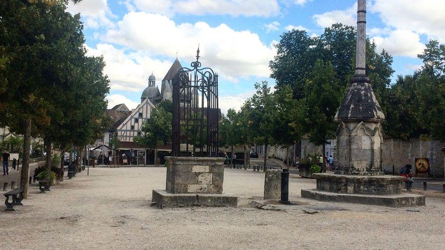 Place du Châtel - Provins