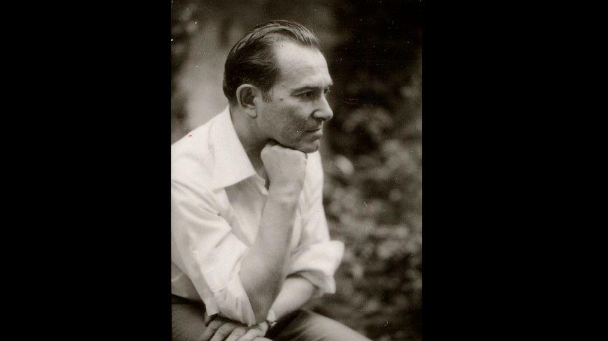 Le père Robert Chave s'est éteint à 94 ans (cliché de 1977 au festival d'Avignon)