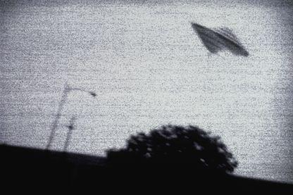 L'histoire d'OVNI la plus célèbre est celle d'un engin qui aurait atterri dans la nuit du 4 juillet 1947 à Roswell, au Nouveau-Mexique, aux États-Unis.