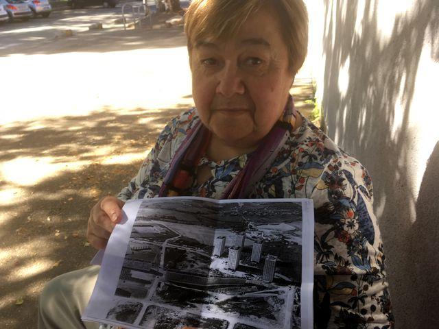 Comme de nombreux anciens du quartier, Janine vient d'une famille dont la maison a été détruite pendant la seconde guerre mondiale, et provisoirement relogée en « baraques ».