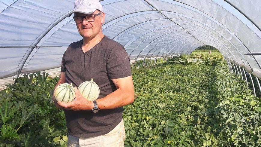Jean-Paul Vandesompele cultive des melons bio depuis 2 ans avec sa femme Sylvie