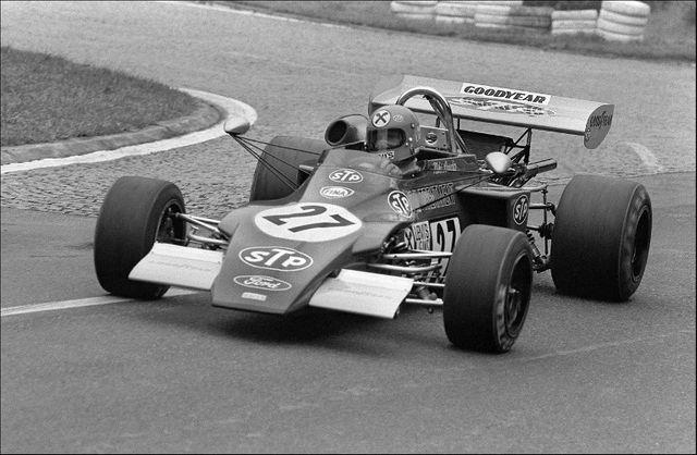 """L'Autrichien Niki Lauda au volant de la """"March"""", procède à la première série d'essais du 22e Grand Prix de Rouen sur le circuit des Essarts, le 22 juin 1972."""