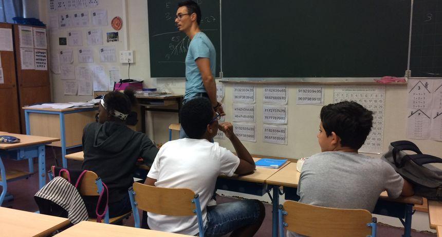 Des élèves en classe (illustration)