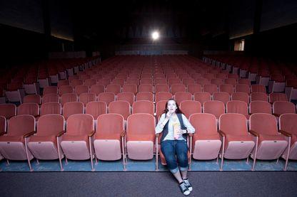 Malgré une fréquentation en hausse des salles de cinéma, les entrées se concentrent souvent sur les blockbusters, au détriment des films plus confidentiels.