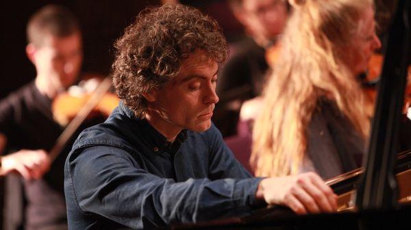 Le pianiste anglais Paul Lewis en concert à Southampton (2014)