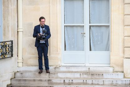 Yves Jeuland tourne un documentaire à l'Elysée en août 2014