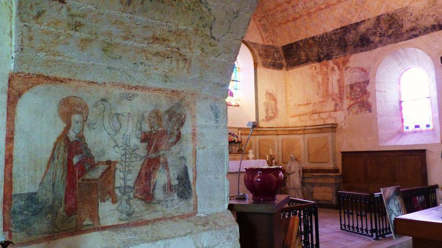 Cette représentation de l'Annonciation de la seconde moitie du XVe siècle a été restaurée grâce à l'association des amis de l'église Saint-Jean-Baptiste