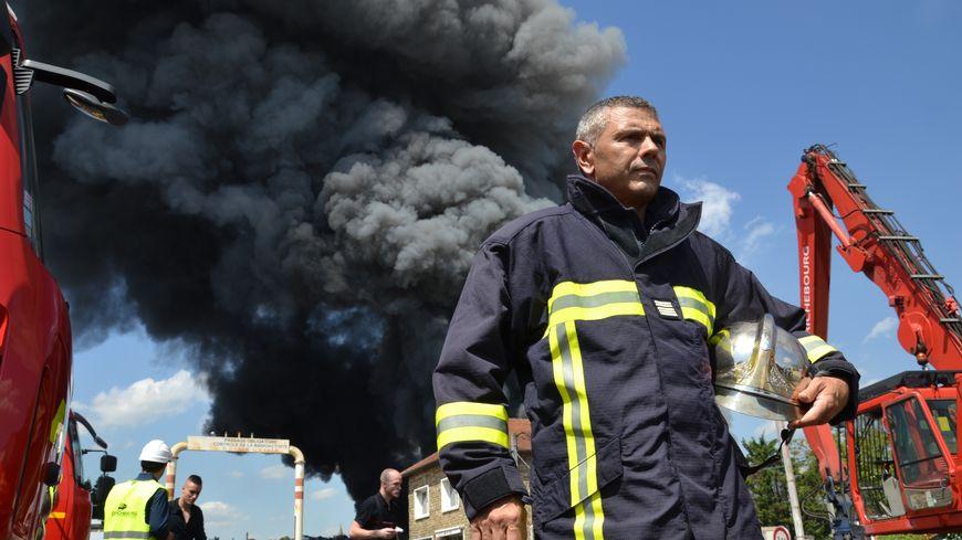 Le Lieutenant Colonel Dominique Laporte dirige les opérations de secours à Athis Mons