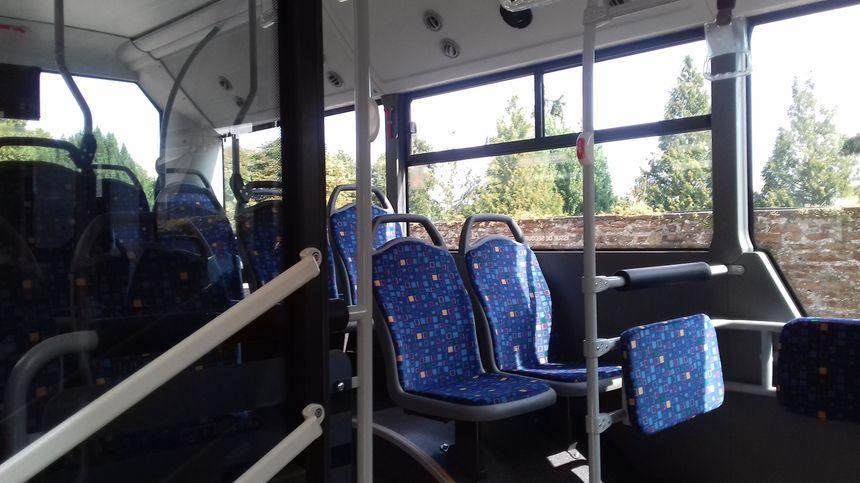 à bord d'un bus flambant neuf du service urbain à Mayenne