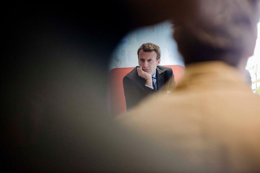 Emmanuel Macron à la rencontre des startups du label French Tech #Mobility et des acteurs du monde économique au sein de La Ruche numérique le 11/10/2016.
