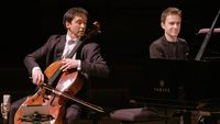 Chostakovitch, Berg, Brahms par Jean-Guihen Queyras et Alexandre Tharaud