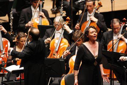 Nathalie Stutzmann,  contralto et cheffe d'orchestre le 4 décembre 2011 en concert à Monte Carlo.