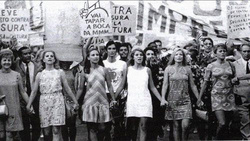 """Épisode 4 : Brésil """"E Proibido proibir"""""""