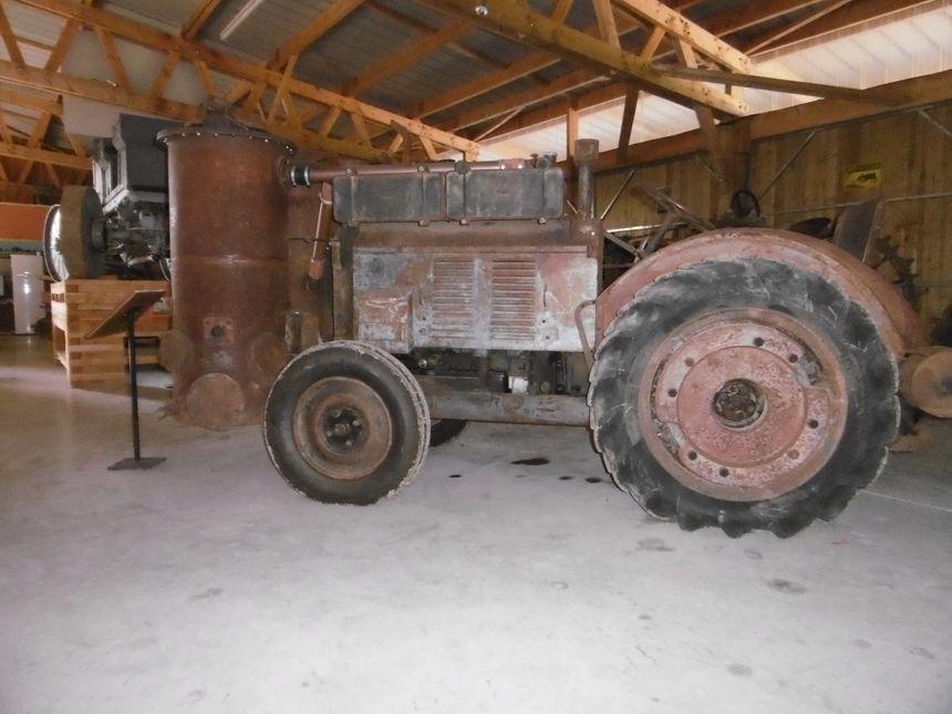 Tracteur Renault AFVH - 1943 - Reuilly