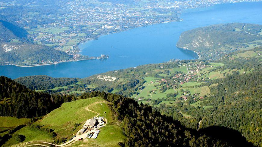 Le Lac vue de la Tournette