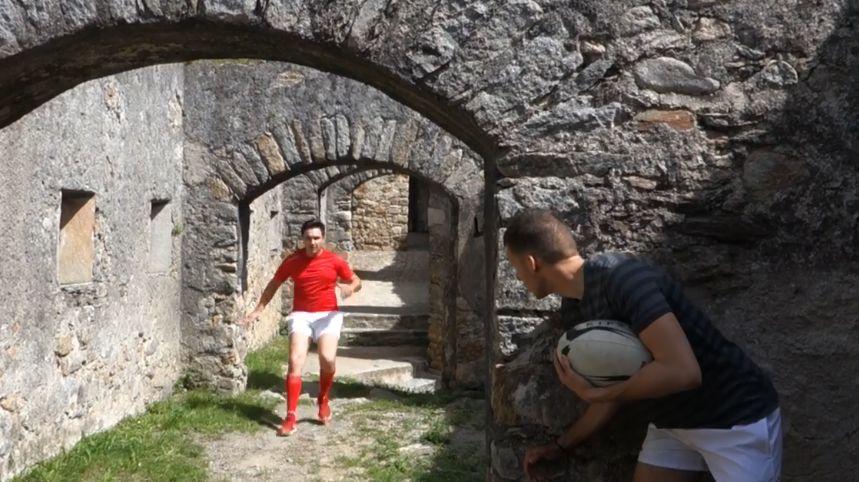 Théo et Dylan jouent au rugby à travers tout de le département