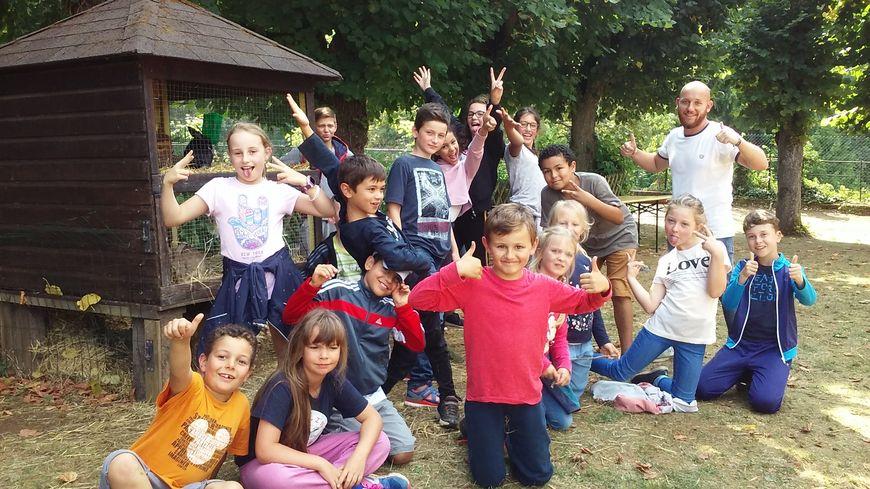 Un groupe d'enfants accueillis cette semaine au centre aéré de Familles de France à Arry