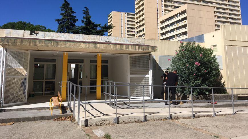 L'entrée de la maternelle Paul Langevin à Nîmes