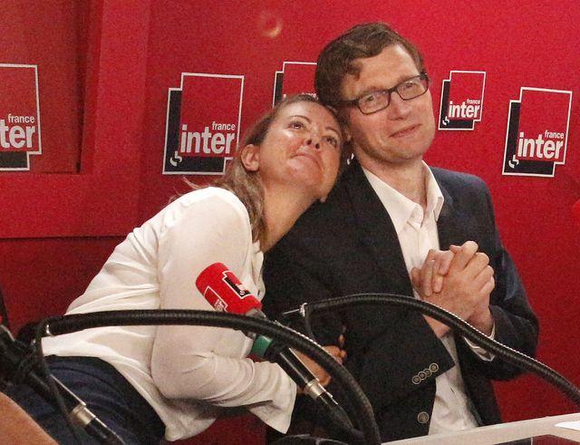 Charline décidément très love avec Dominique Seux