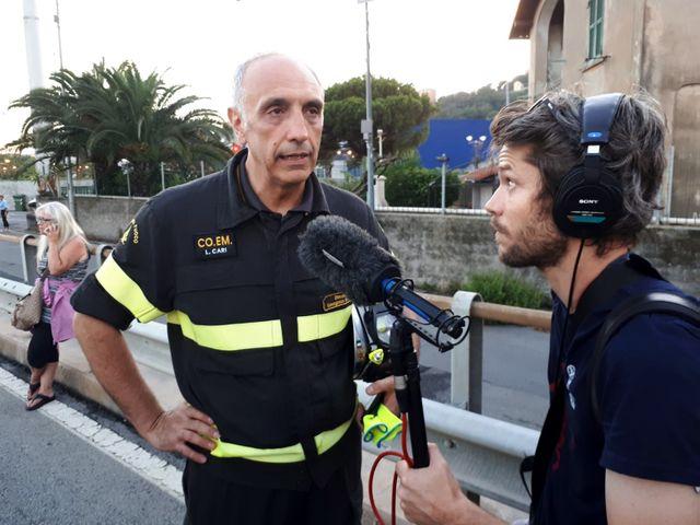 Romain Luquiens, le technien qui accompagne à Gênes Delphine Evenou pour France Inter et Sandrine Etoa Endegue pour France info