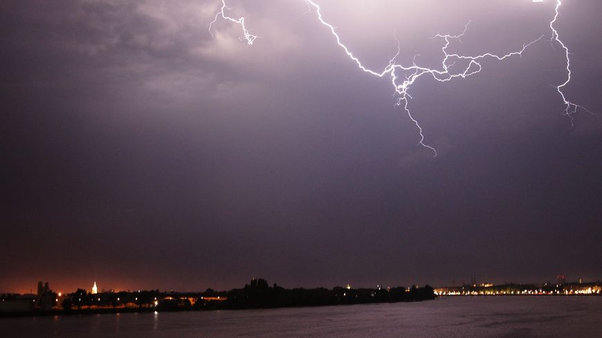 illustration orages Bordeaux