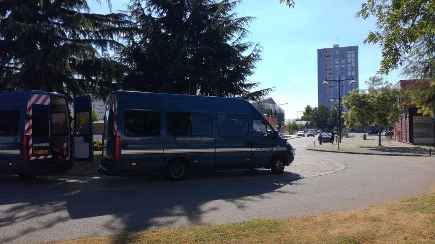 Après les violences, des gendarmes de Rosny-sous-Bois, en région parisienne, avait été déployés dans le quartier de Perseigne, à Alençon.