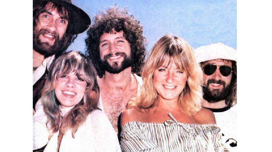 De gauche à droite : Mick Fleetwood, Stevie Nicks, Lindsey Buckingham, Christine McVie, John McVie en 1975.