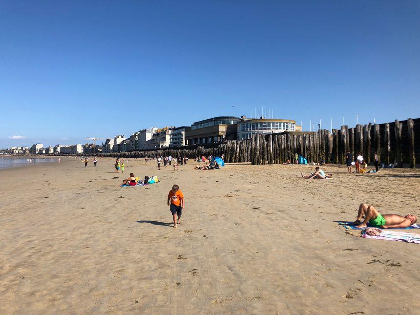 Entre surf, volley et raquette, les activités de plage étaient encore d'actualité à 2 jours de la rentrée