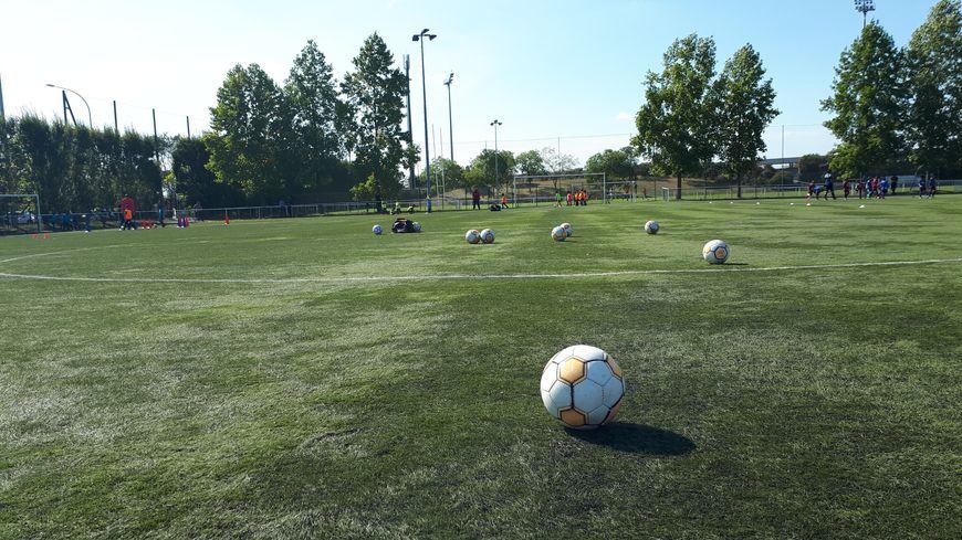 La Fédération française de football a annoncé débloquer 10 millions d'euros supplémentaires pour soutenir le foot amateur