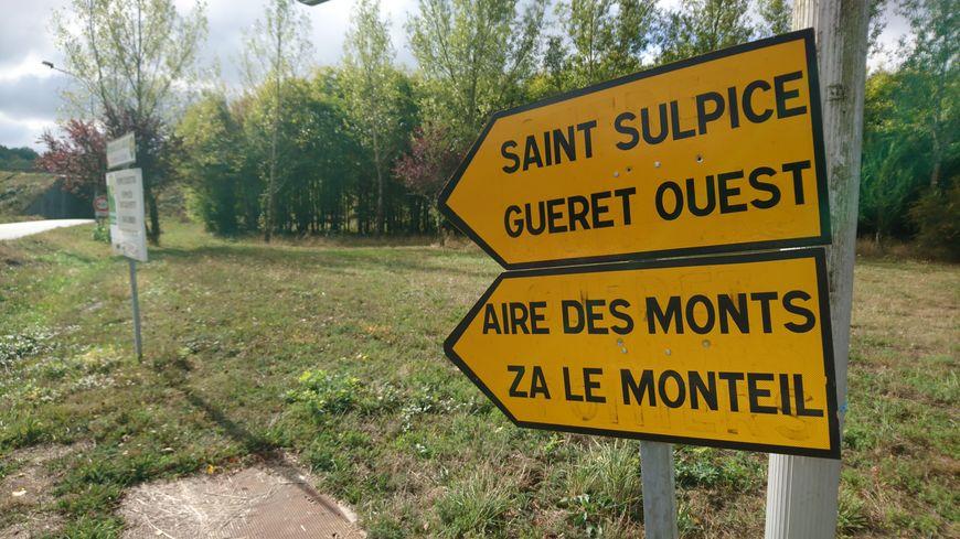 Seul moyen d'accéder à la station quand on vient de Montluçon : suivre une déviation d'une quinzaine de kilomètres.