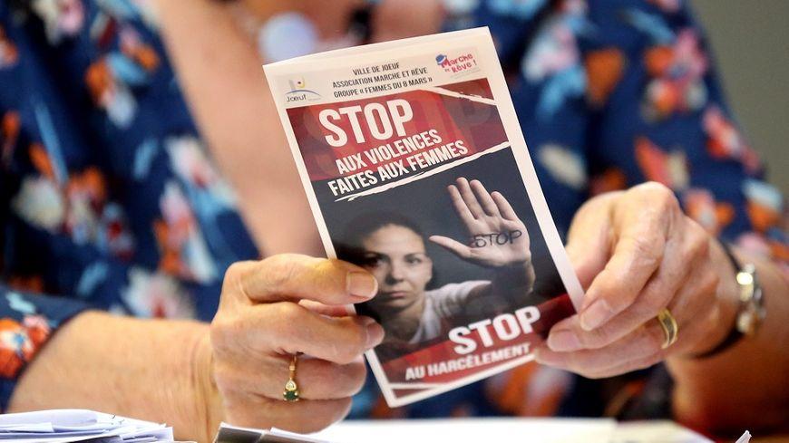 Face aux violences sexuelles et sexistes, le gouvernement veut inciter chacun à régir.