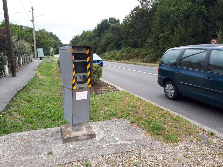 Le radar à l'entrée du Mensil-le-Roi (Yvelines) est le plus vandalisé du secteur, mais ce n'est pas le seul.