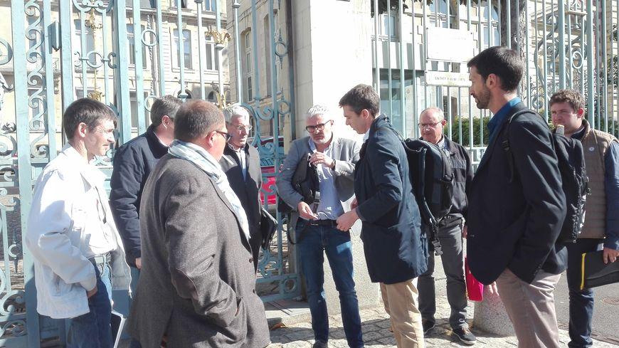 Les représentants de la FDSEA ont fait part de leurs inquiétudes au préfet de Bretagne sur la fin de l'exonération de charges pour les travailleurs saisonniers