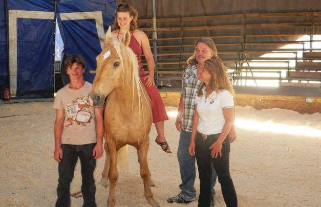Calou, Nolwen et son cheval Oman, Jacques Pagnot et Laura Beaumier